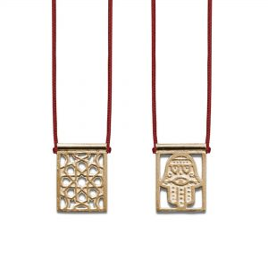 Hamsa Protection Escapulario Gold-plated, with dark red Cord